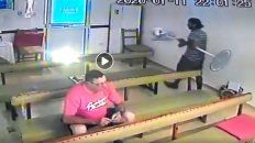 El ladrón se fue con el ventilador abajo del brazo.