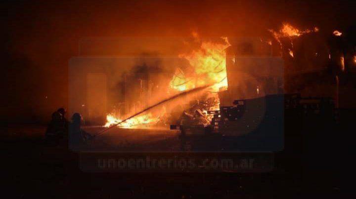 El depósito mayorista se incendió a un año y dos días de su inauguración