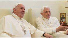 los dos papas dicen que  el celibato de los sacerdotes es obligatorio e intocable