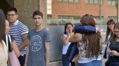 familiares y amigos despiden al joven que murio golpeado por rugbiers