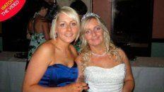 La hija con su madre el día de la boda.