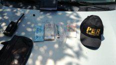 menor robo dolares, euros y reales en un hotel
