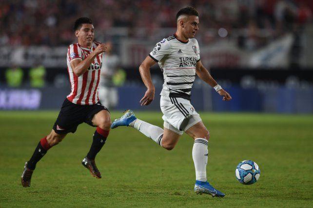 Borré festeja con sus compañeros el primer gol del Millonario.