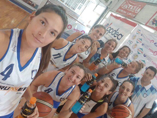 Betina llegó a Paraná y se unió al básquet