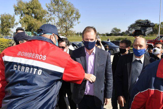 Los bomberos de Cerrito recibieron a Bordet, Stratta y ministros.