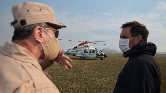 Juan Cabandié hace algunas semanas estuvo en las islas de Entre Ríos, supervisando el trabajo por la quema de pastizales.