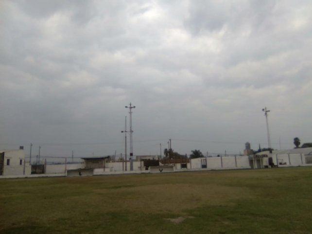 La cancha de fútbol de San Benito en las manos de todos