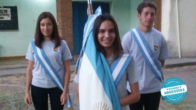 Brisa Darchez, Jaqueline Gimenez y Marcos Gómez de la Escuela Agrotécnica Villa Urquiza