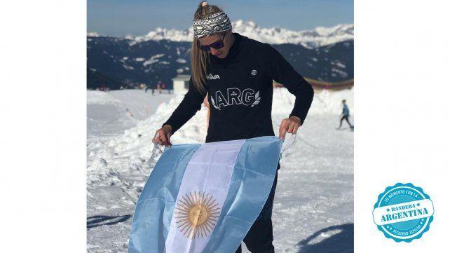 Julieta Puntín, jugadora de beach volley de Cerrito que el año pasado incursionó en el snow volley por primera vez. En su presentación internacional en esta disciplina lució la Celeste y Blanca.
