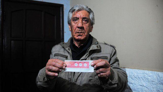 Francisco llenó el cupón del diario con sus números del DNI.