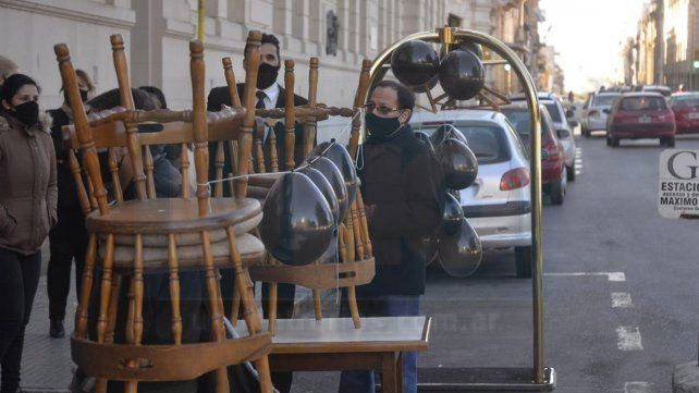 Paraná: una vez más el sector hotelero y gastronómicos sacarán mesas y sillas a la calle