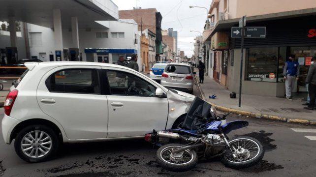 Jornada de accidentes en diferentes zonas de Paraná con varios asistidos en el hospital
