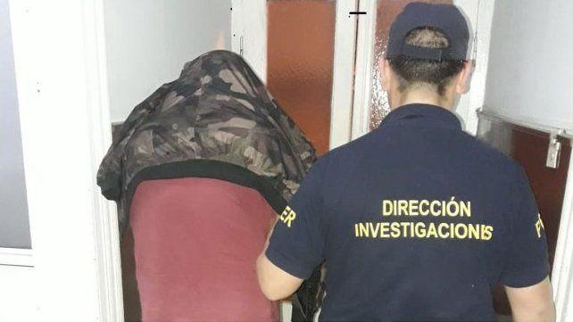 Los gritos de una mujer pidiendo ayuda en plena noche no pasaron desapercibidos para un grupo de mujeres que justo estaba frente a un edificio ubicado en calle La Paz 42 deParaná.