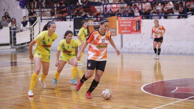 Florencia Arce volvió a prender la llama del futsal