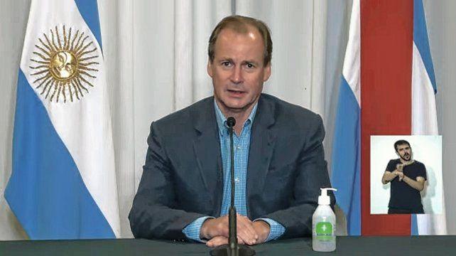 """""""La situación es grave y tenemos que cuidarnos"""", dijo Bordet al anunciar las medidas para reducir la circulación del Covid-19."""