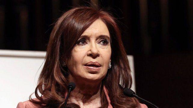 Cristina habló del dólar en su extensa carta al cumplirse un año del gobierno.