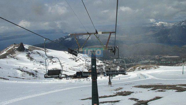 Egresados todavía esperan cumplir su sueño de viajar a Bariloche.